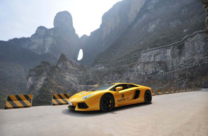The World S Top Luxury Cars Race On The Tongtian Road Of