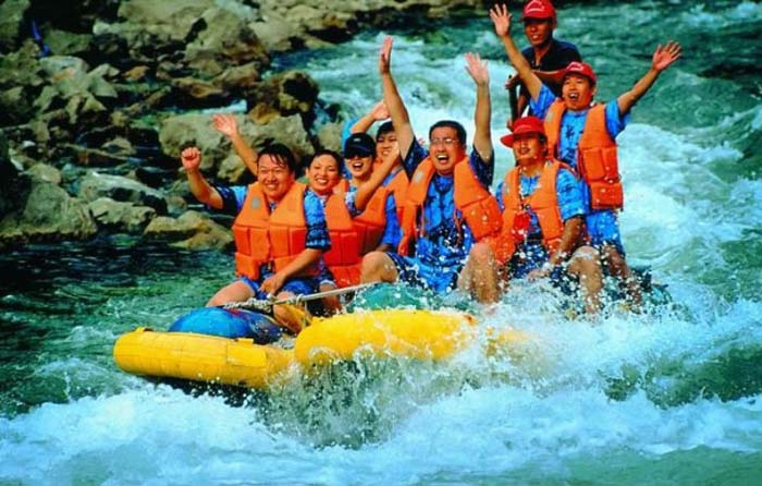 The Extraordinarily Thrilling Rafting:Mengdong River Rafting