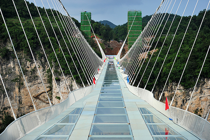 Some Notes You Must Know about Zhangjiajie Glass Bridge